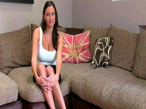 Mamas Gigantes Babe Creampied Atrás Da Mesa De Fundição Porn