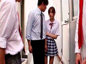 Linda Estudante Japonês Agrada Seus Pilas Com Fome De Colegas Porn