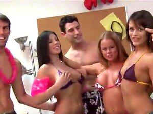 Porra De Jovens Estudantes Na Festa De Faculdade Porn