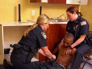 CFNM Sexo Interracial Com EBONY Bandido Na Cozinha Da Cena Do Crime Porn
