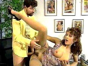 Simona Valli - Modelo Top Line Up Porn