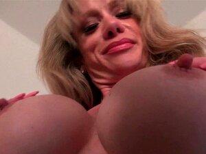 Clitóris Grande Da MILF Raquel Precisa De Atenção Porn