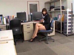 Uma Foda Apaixonada No Escritório Com Uma Secretária Japonesa Sexy. Porn