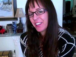 USAwives Special Mature Women Footage Compilation. Incrível Compilação Fresca De Mulheres Maduras Divertindo-se Jogando Sozinho Encontrar Este Vídeo Em Nossa Rede Porn