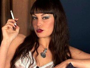 Angelina Dee - Fumando Fetiche Em Dragginladies Porn