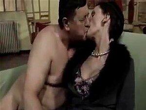 Velhos E Jovens, Porn