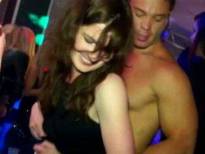 Putas De Festa Dicksucking Comendo Buceta Molhada Porn