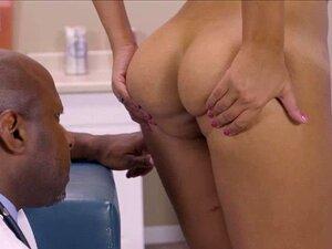 Bridgette Leva Um Galo Enorme Na Bunda Dela Porn