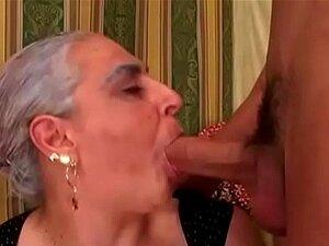 A Avó Chupa Uma Pila Enorme E Jovem. Porn