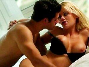 Gata Loira Quente Escaldante Riley Steele Transamos De Forma Sensual Porn