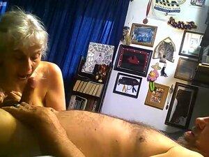 Eu A Foder A Minha Cabra Nojenta Debbie, A Toy Debbie Chupa-me A Pila Entre Foder Sessions.My Bolas Na Sua Puta Nojenta, Depois De Foder E Chupar-me A Pila. Vê A Barriga E As Mamas Dela Penduradas. Ela é A Minha Puta Porca Maravilhosa. Porn
