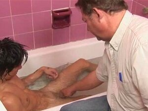 Diversão Gay Na Banheira Porn