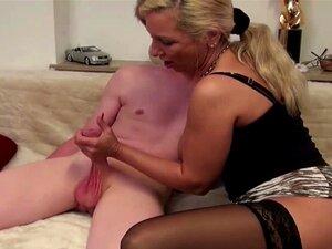 A Mãe Alemã Ensina O Filho-padrasto Com Extrema Pila Grande A Foder. Porn