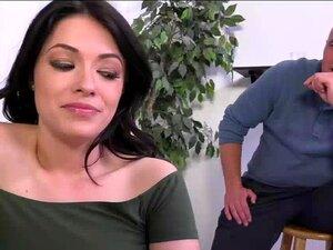 Corno Assiste Que Ava Dalush Leva Um Galo Preto Porn