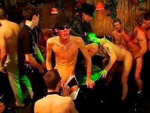 A Festa De Gangsters Pornográficos Do Velho Gordo Está Em Marcha. Porn