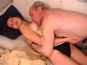 Jovem Magrela Fodida Por Velho Porn