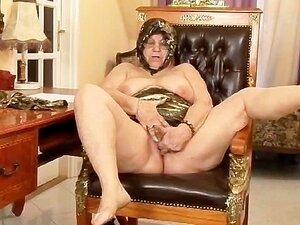 A Minha Avó é Uma Prostituta De 18 Cenas 2. Porn