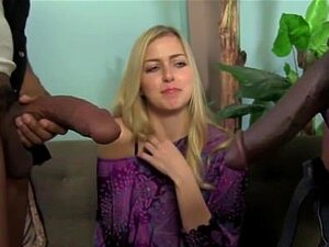Abigail Johnson é Espancada Por Galos Negros. Porn