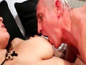 Garota Com Tesão Fodida Duramente Por Um Velho Duro Porn
