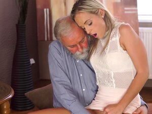 Terno Babe Lavrado Duro E Rápido Por Vigoroso Galo Maduro Porn
