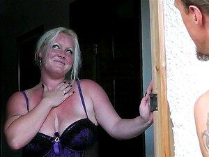 Gorda De Lingerie Seduz Trabalhador Jardim Porn