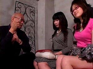 Uma Japonesa Diabolicamente Boa Em Acção Sexual Em Grupo Perverso. Uma Japonesa Muito Excitada E Fodível Faz Sexo Com Homens E Mulheres Neste Vídeo De Sexo Em Grupo Japonês. Porn