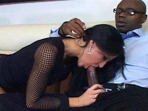 A Morena Madura Kendra Dá Cabo Dela. A Mulher Traidora Kendra Seduz O Seu Contabilista E é Espancado Com A Sua Grande Pila Preta. Porn