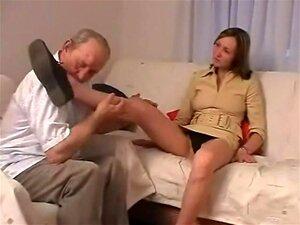 Abuelo 1 O Meu Avô Tinha Uma Pila Grande. Porn