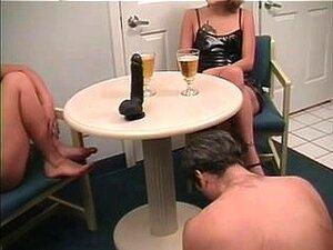 Uma História De Corno Alarga-se, Porn