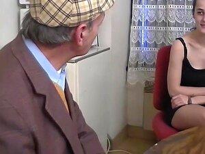 Gata Fode Com Jovens E Velhos - Telsev Porn