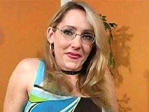 Luxúria De Lori Porno Amante Chupa Pau Gigante Para Um Tratamento Facial Cremoso Porn