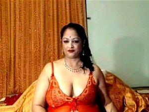 A Avó Desi, Uma Avó Índia Sexy Na Web Camera. Porn