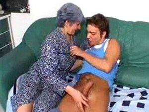 Pobre Avozinha. Porn