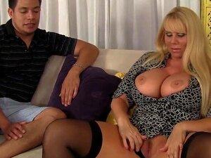 MILF Sensual Faz Sexo Com Passo-filho! Porn