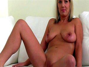 Tímida Amadora Exigida Para Mostrar Sua Buceta Raspada Porn
