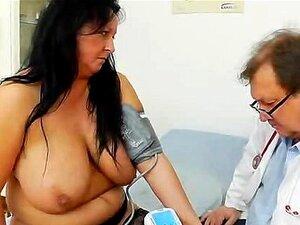 Brinquedo Adulto Em Regalo Durante Um Ginecologista Mulher Porn