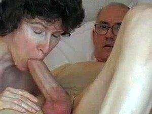 A Pila Grande Do Avô, Atraente E Madura Engole-a Porn
