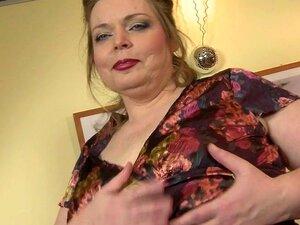 Grande Mãe Madura Seios Brincando Com Sua Buceta Raspada Porn