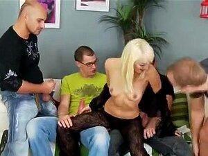 Lena Cova, Checo Hotty Equipe-fodido Porn