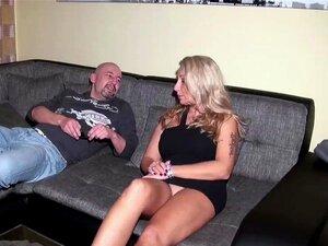 O Marido Apanha A Mulher Com O Vizinho E Fode Com Porn