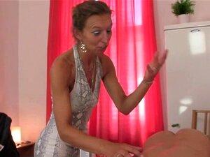 Massagista De 60 Anos Agrada Ao Cliente Porn