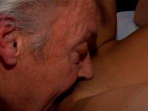 Teen Cute Solo Webcam Bruce Um Homem Velho Imundo Gosta De Rasgar Juvenil Porn