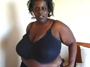 A Miúda Negra Gorda Tem Umas Mamas Enormes. Porn