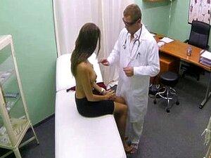 Gostosona Num Hospital Falso Porn