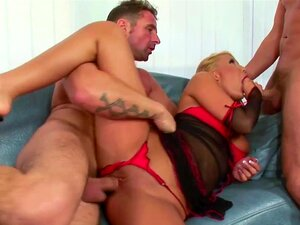 MILF Quente Em Difícil DP Anal E Facial Cumshot Ménage à Trois Porn