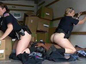 Cara Da Loja De Penhores Fode Policial Xxx Preto Suspeito Porn