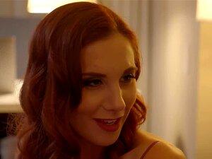 A Namorada Lilian Stone Dá Aos Fãs Uma Lap Dance E Uma Foda Porn