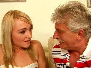 Jimmy Fode A Cynthia Bonita Do Seu Escritório Porn