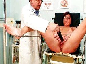Exame De Buceta Bizarro De Mulher Mais Velho Piercing Buceta Porn