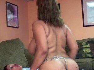 Mulher Latina Angel Lynn Leva Um Strap-on De Outono Porn